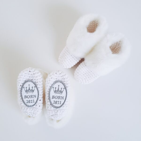 Personalized booties BORN 2021 WHITE