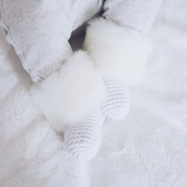 Baby socks with faux fur flap WHITE